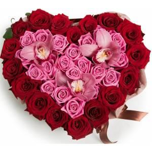 Сердце из роз и орхидей R94