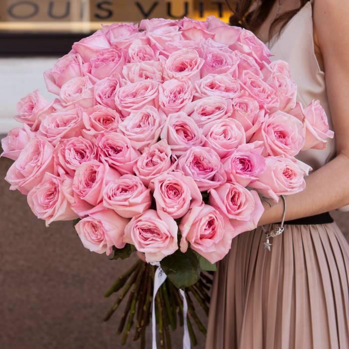 Букет из 51 пионовидной розовой розы R145